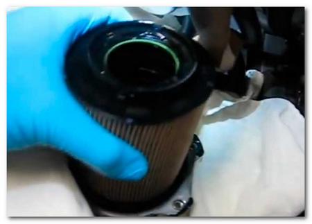 замена топливного фильтра VW Jetta TDI (3)