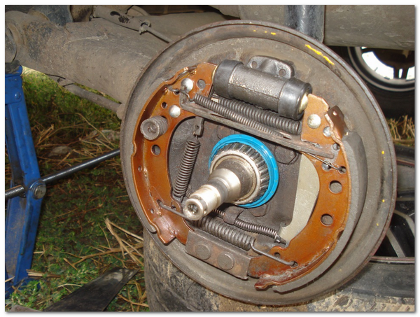 Замена подшипника на ступице с барабанными тормозами Volkswagen Jetta