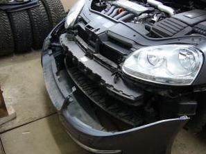 снятие переднего бампера VW Jetta
