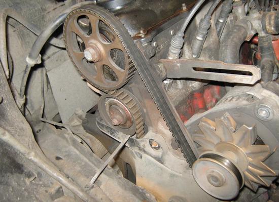 Замена ремня генератора  на Фольксваген Джетта