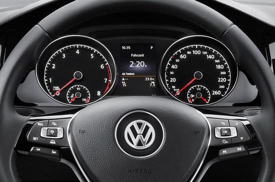 Спидометр VW Jetta последнего поколения