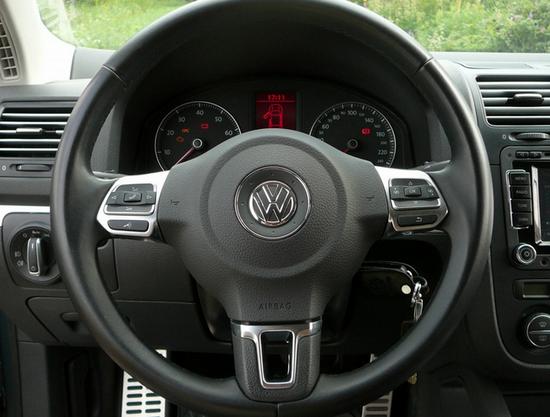 Мультируль на Volkswagen Jetta
