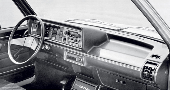 Салон VW Jetta 1982 года