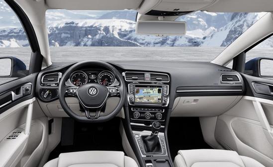 Салон Volkswagen Jetta 2014 года