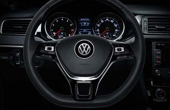 Панель приборов Volkswagen Jetta 2015