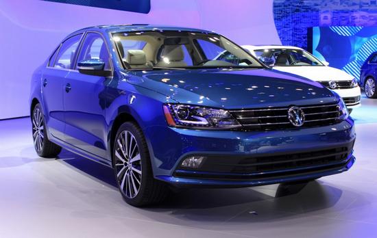 Фото Volkswagen Jetta 2015. Видео обзор смотрите ниже.